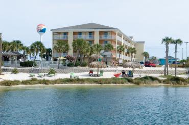 Pensacola Beach Hotels on Travelodge Pensacola Beach